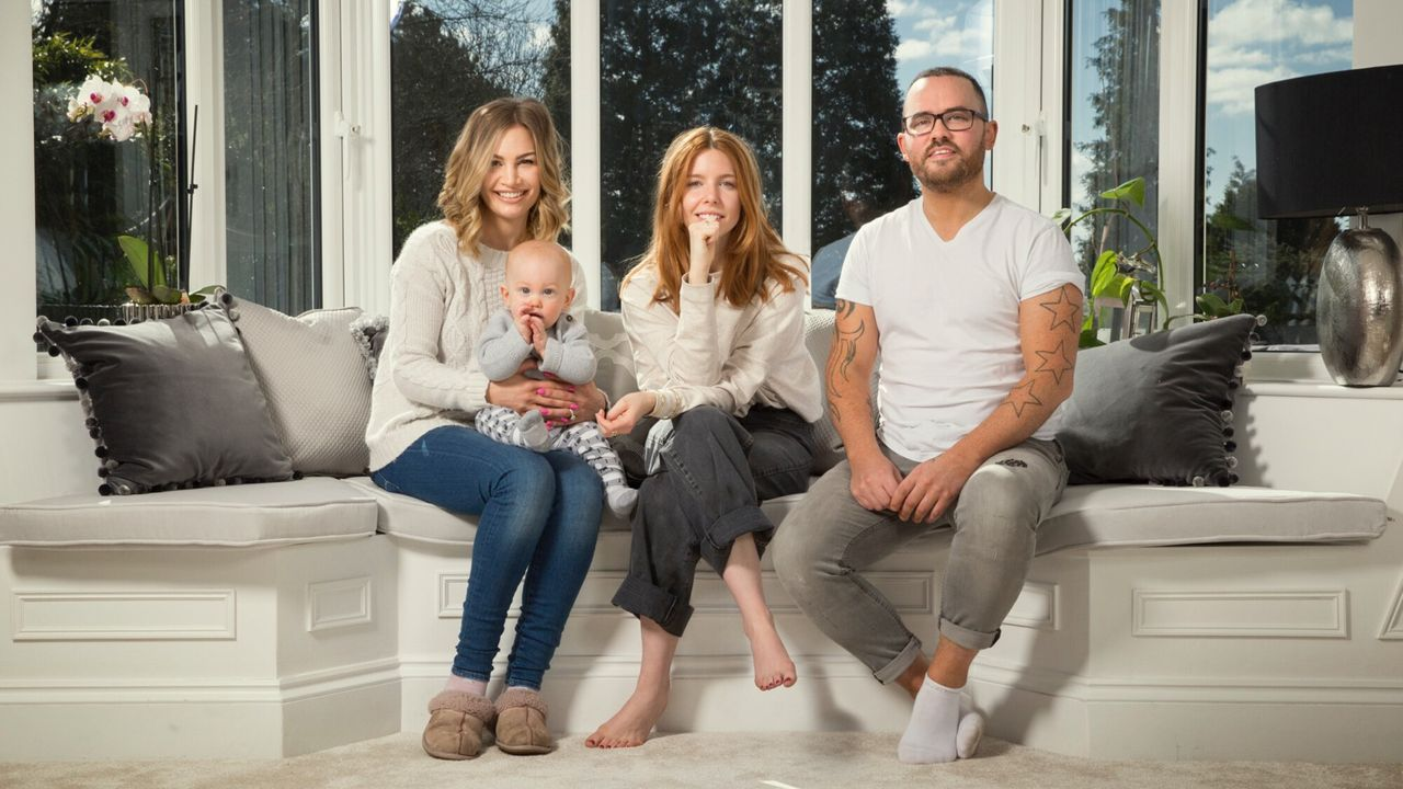 Stacey Dooley Sleeps Over The Family Who Live Online