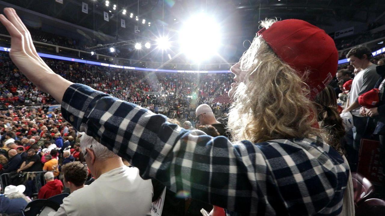 God, Jesus, Trump ! - Holy Olie