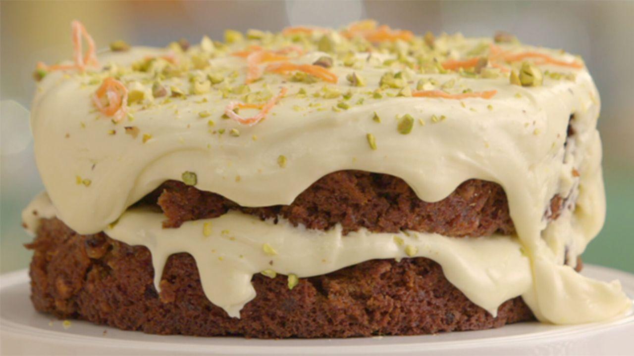 Heel Holland Bakt Morgen 20:35 - Seizoen 8 Afl. 2 - Gevulde cake, zwanensoezen en koekhuisjes