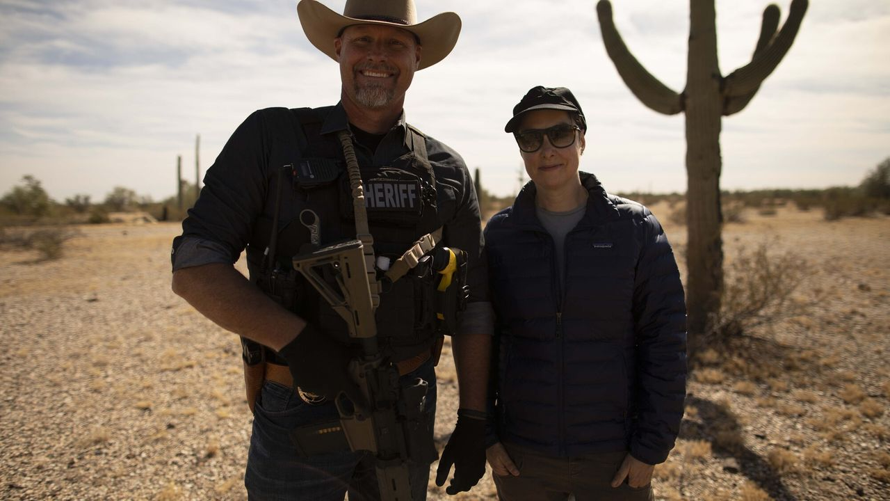 Sue Perkins: Along The US-Mexico Border Sue Perkins: Along The US-Mexico Border