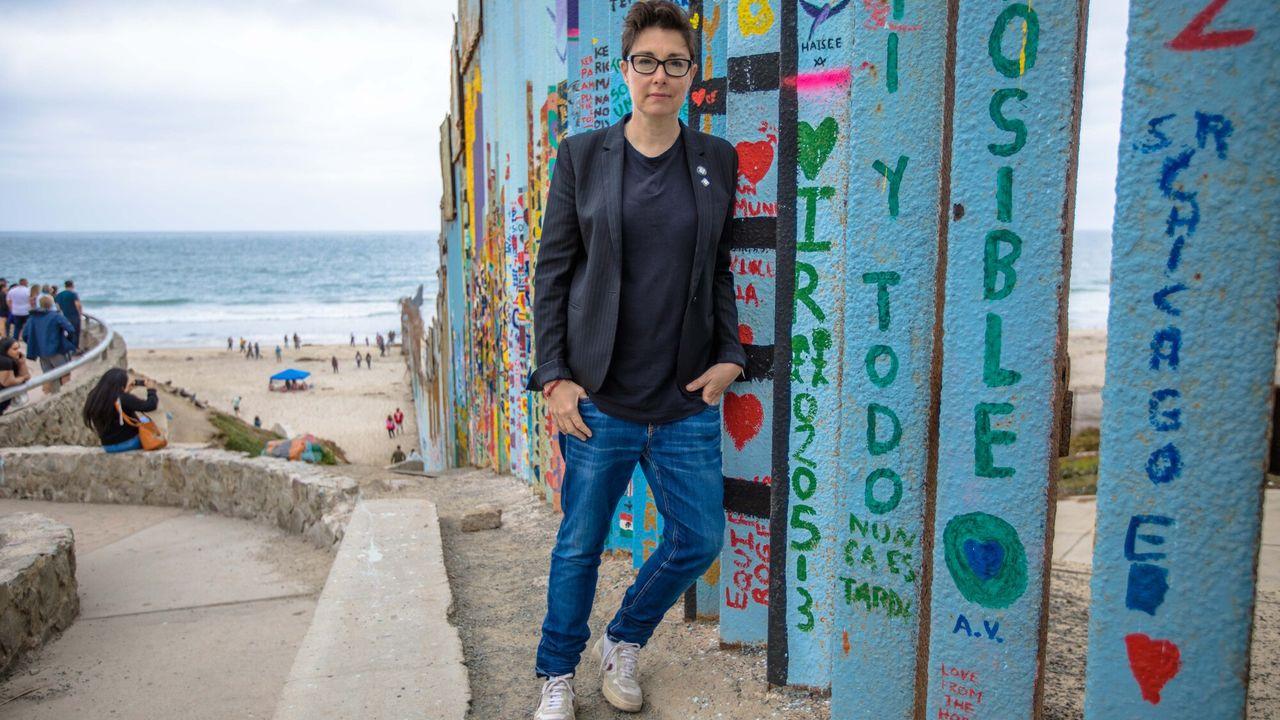 Sue Perkins: Along The US-Mexico Border Sue Perkins: Along The US-Mexico Border