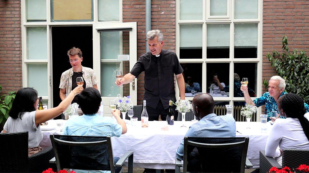 Roderick Zoekt Licht - Wereldkerk In Nederland