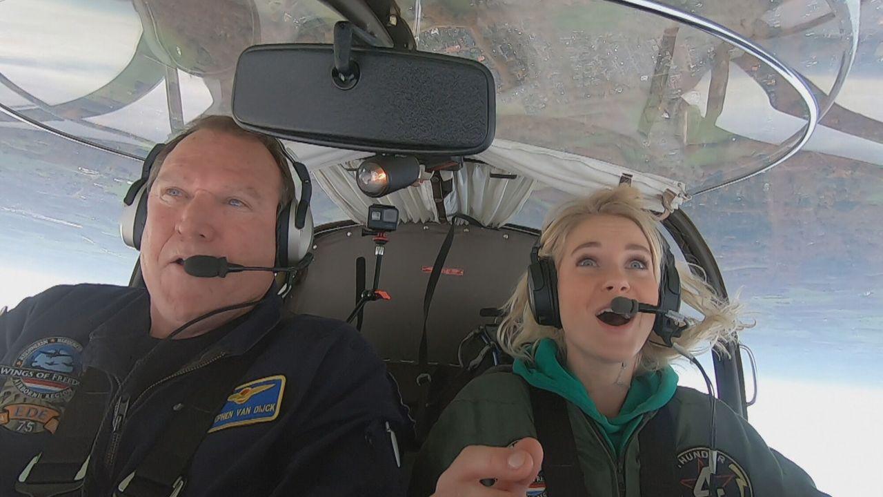 Het Klokhuis - Aerobatics
