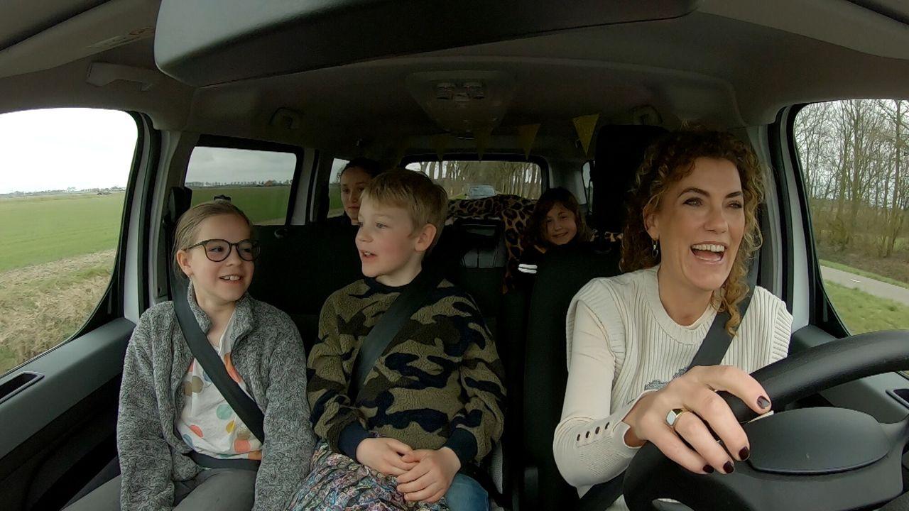 Van Vader Naar Moeder - Floor, Mika, Levina En Ronin