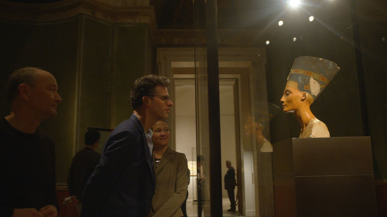 Roofkunst Buste van Nefertiti