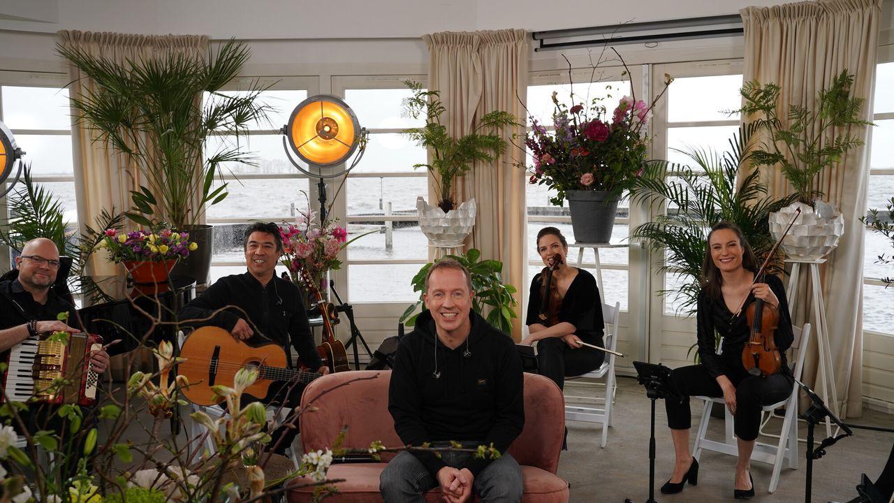 Muziekfeest Op Zondag: De Mooiste Nederlandse Luisterliedjes - Muziekfeest Op Zondag: De Mooiste Nederlandse Luisterliedjes