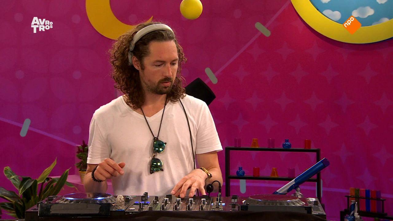 Zin in Zappelin DJ: Een DJ op bezoek