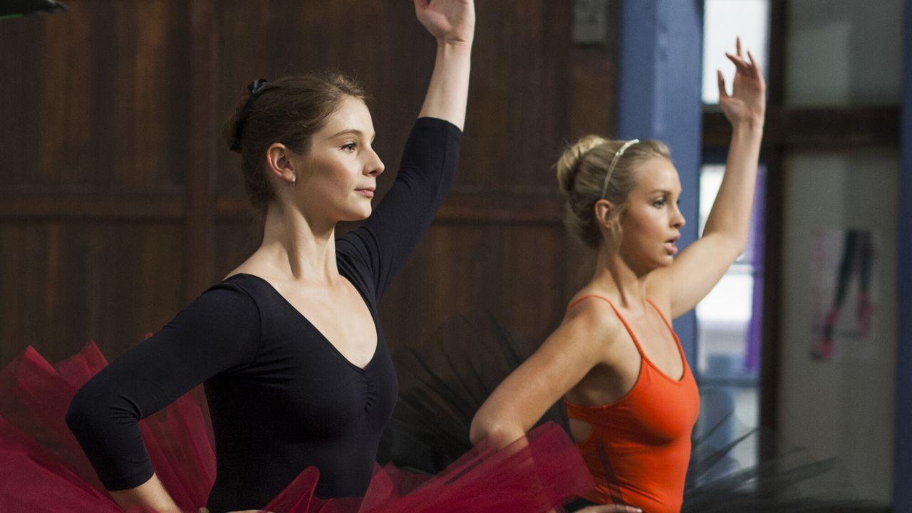 Dance Academy - Faken, Goed Bekeken!