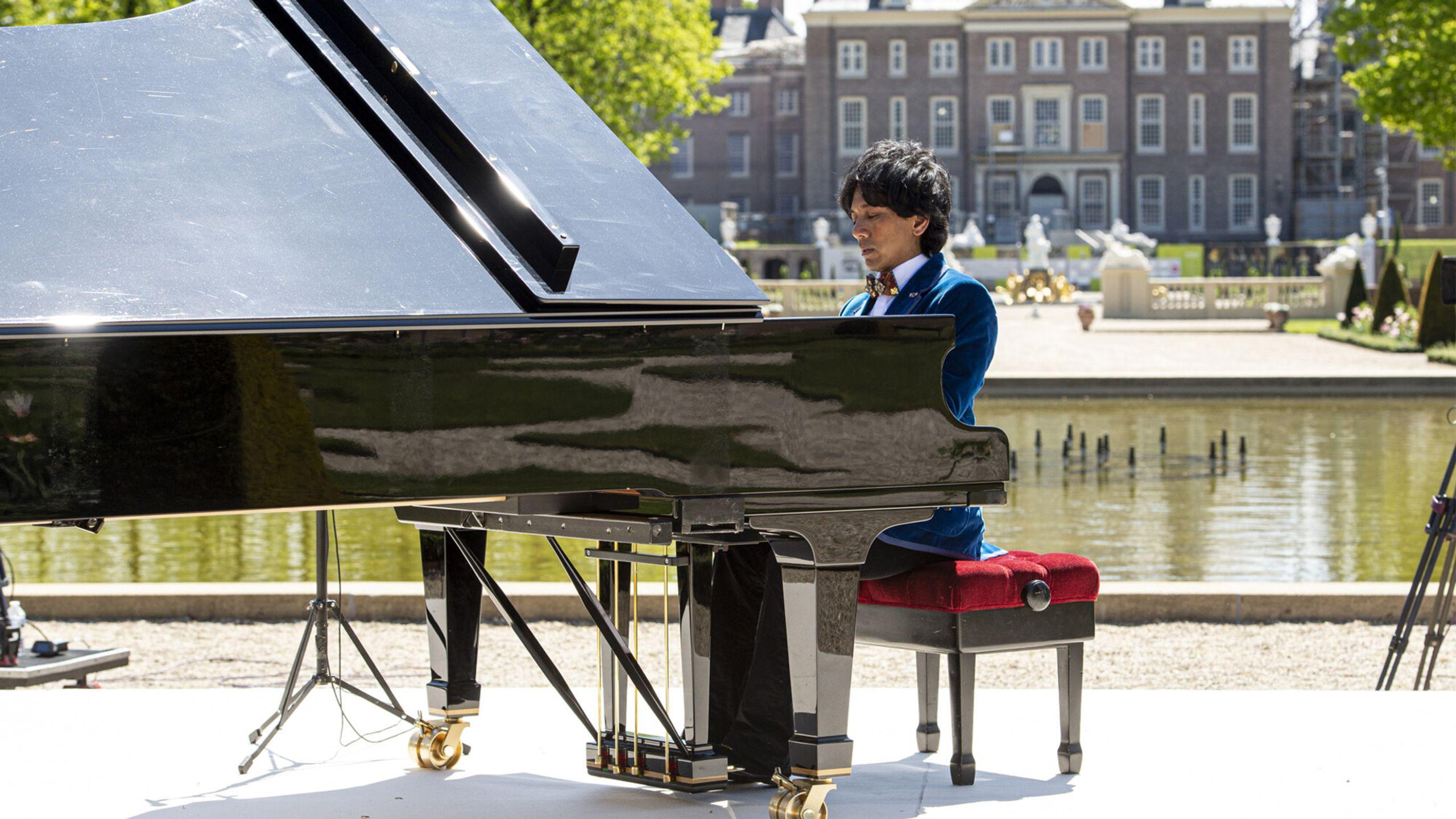 Paleistuinen Concert Wibi Soerjadi